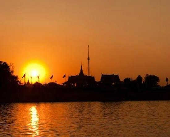 Sunset River Cruise In Phnom Penh""