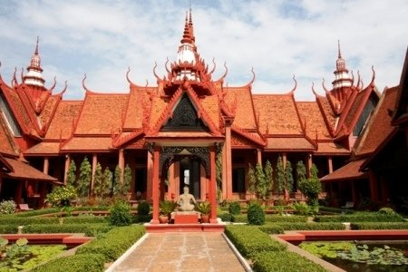 Full Day Phnom Penh – Culture & Genocide History Tour""